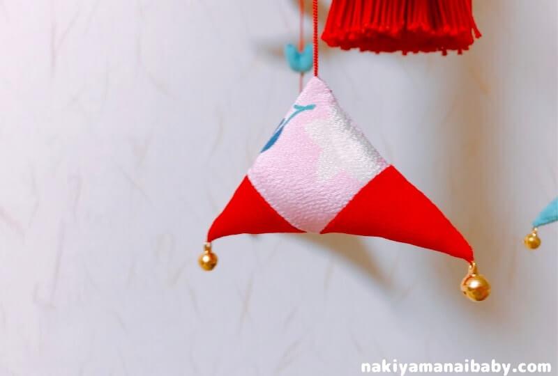 母の手作りひな祭りのつるし飾り「三角」の人形の写真