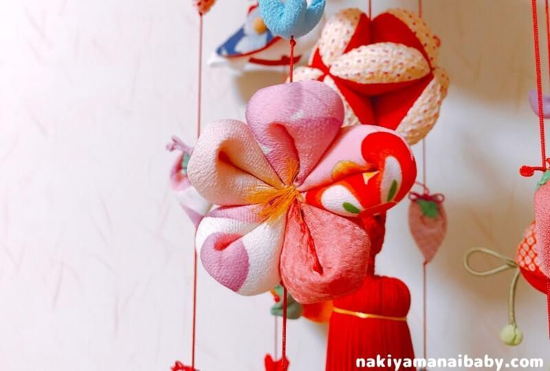 母の手作りひな祭りのつるし飾り「五つ花」の人形の写真