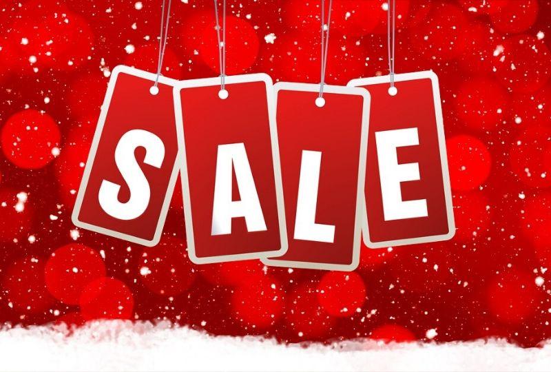 クリスマスコスチュームは冬物セールを狙え!